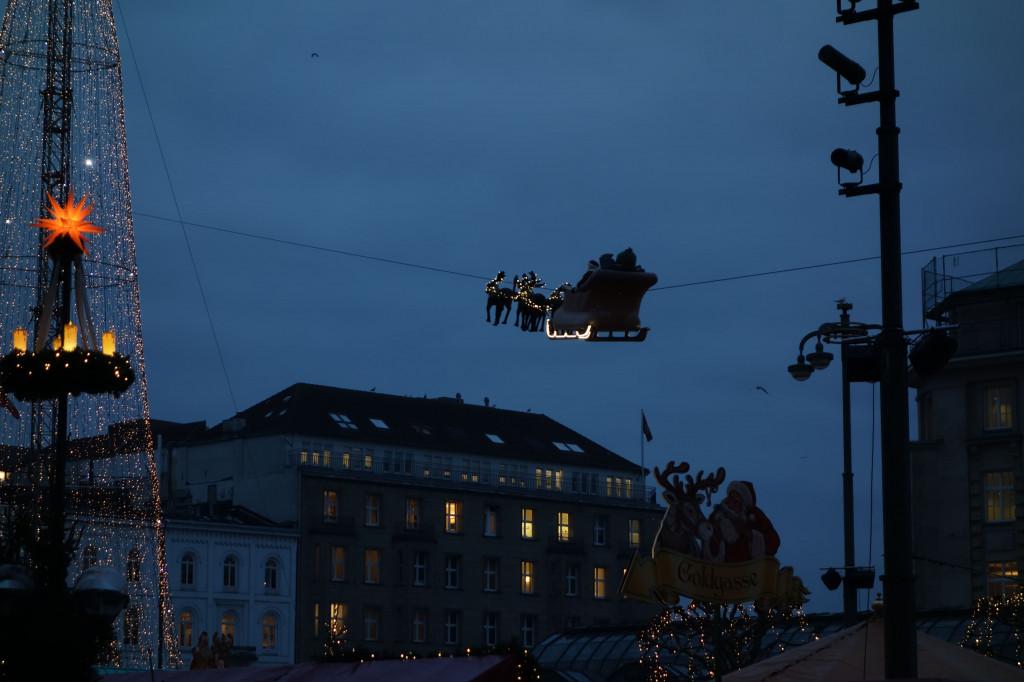 Flliegender Weihnachtsmann
