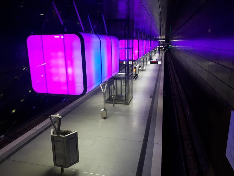 Beleuchtung HafenCity Universität Haltestelle