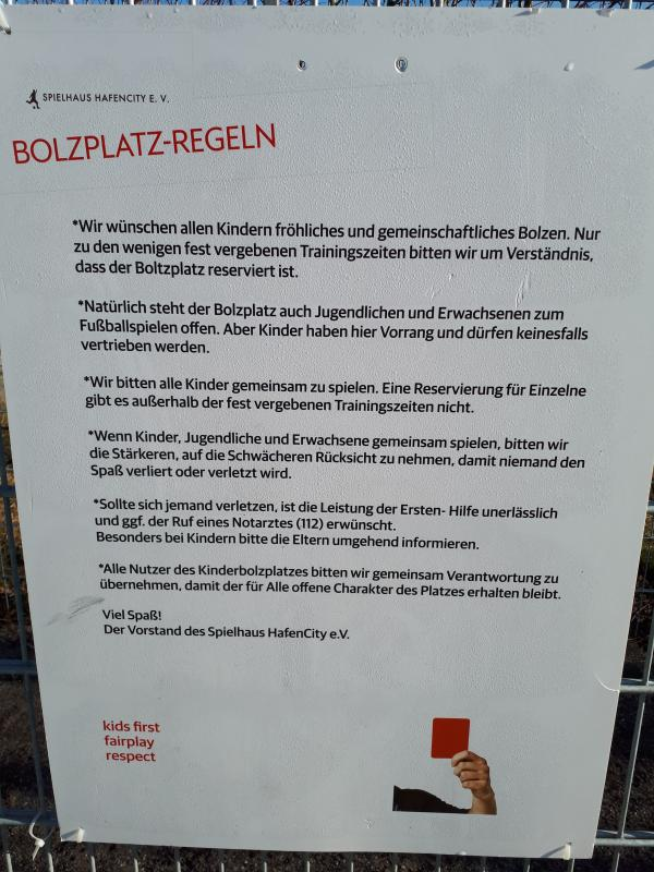 Bolzplatzregeln Lohsepark HafenCity Hamburg