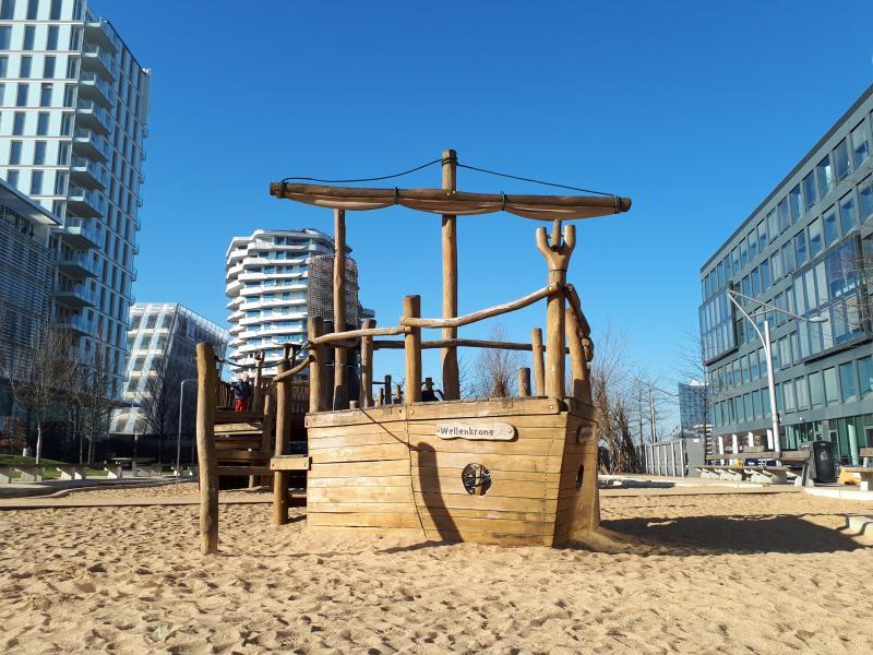 Piratenschiff Spielplatz Grasbrookpark Hamburg