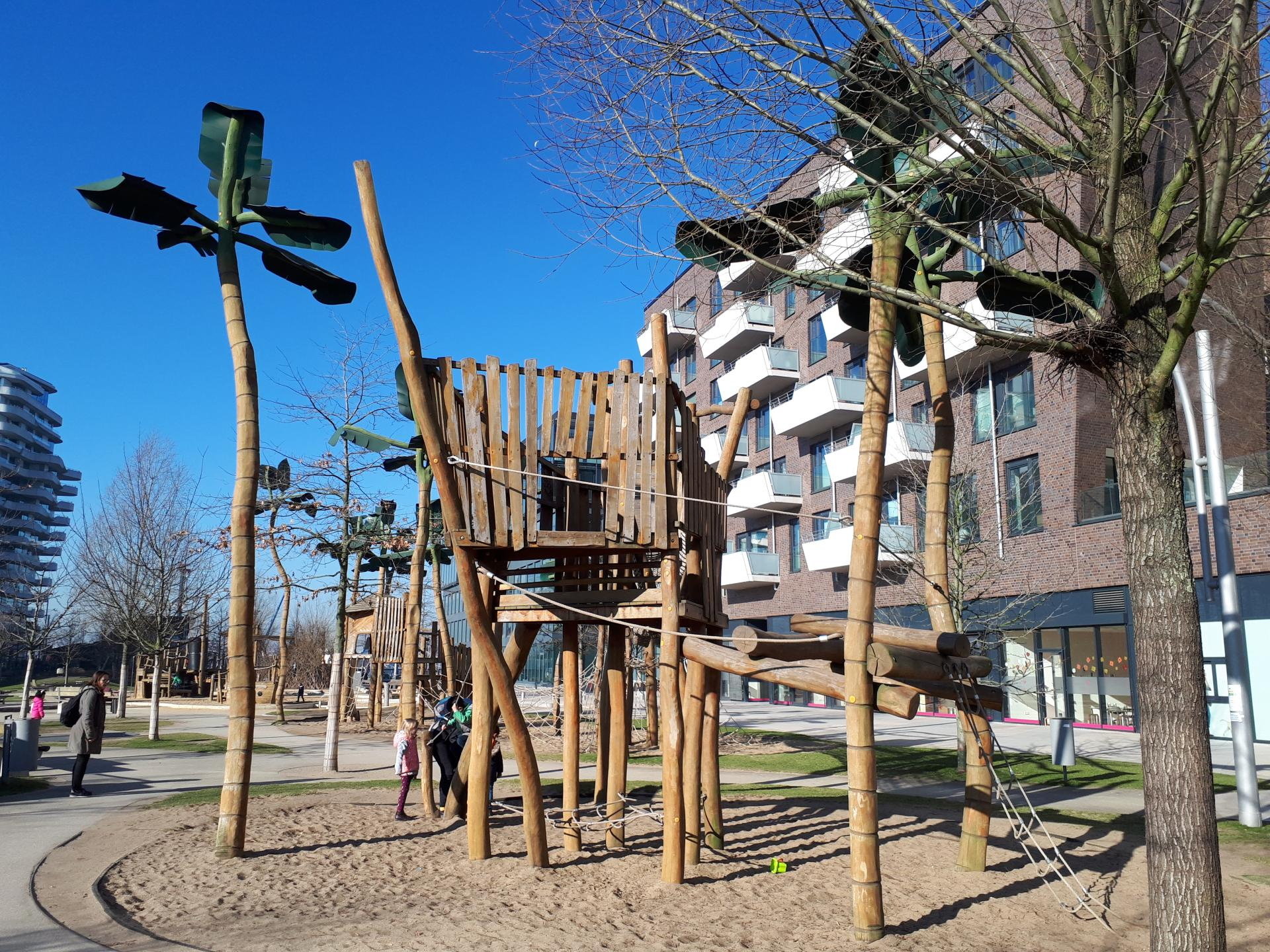 Klettergerüst Metall Spielplatz : Spielplatz grasbrookpark kinder tipps hamburg rabaukenkompass