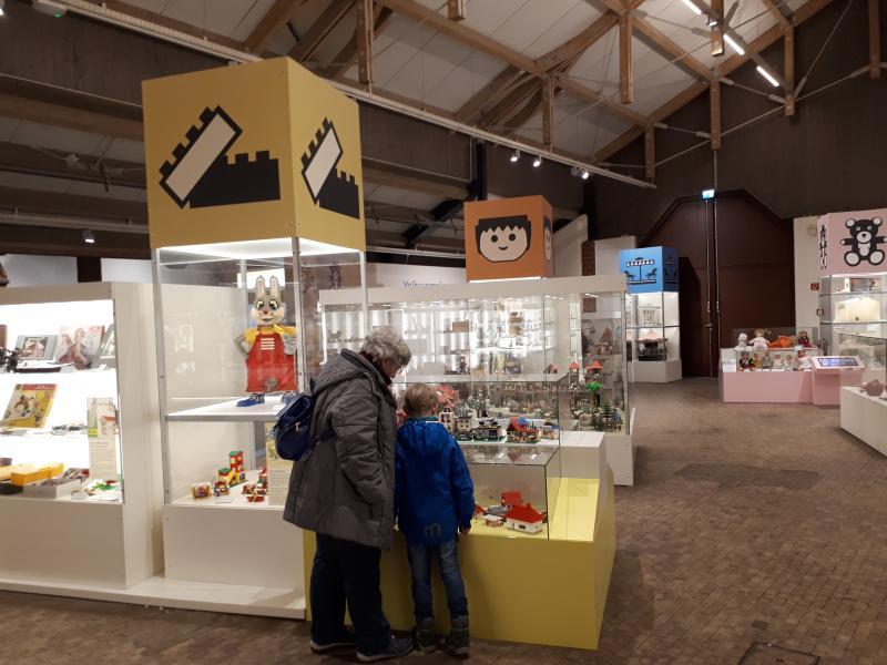 Ausstellung Spielwelten Kiekeberg Ausflüge mit Oma und Opa Tipp
