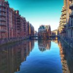 Hamburg mit Kind an einem Tag: Wimmelbild Hafen